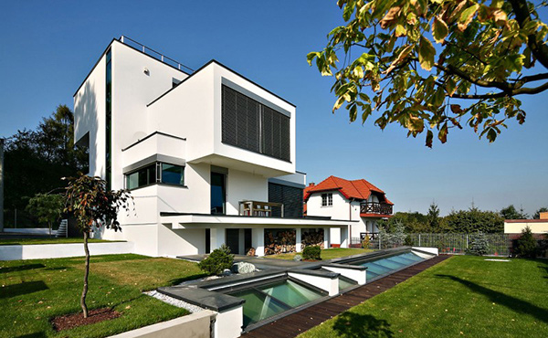 XV House