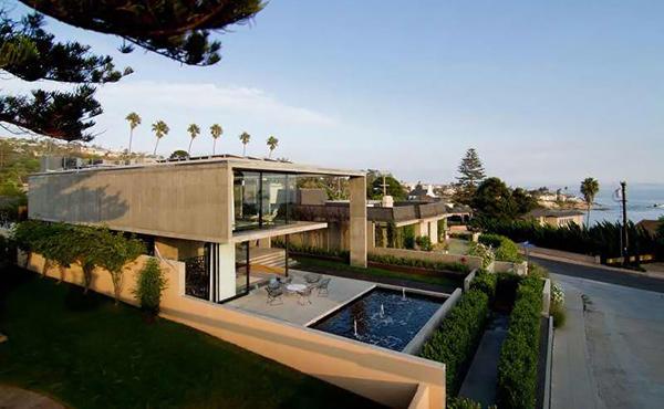 Cresta Residence Pool