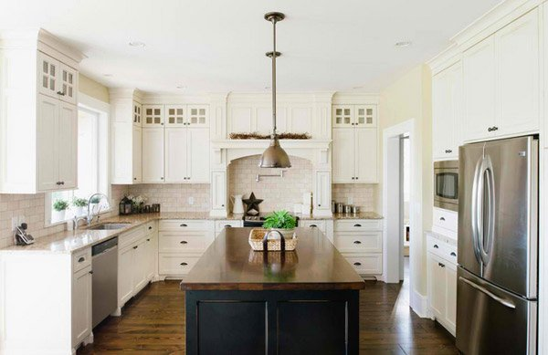 antique white - White Farmhouse Kitchen