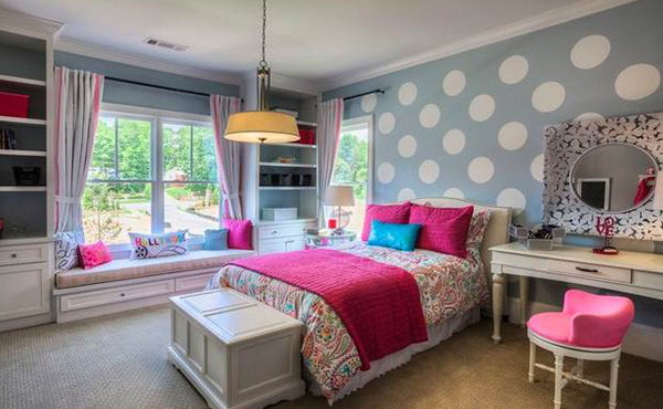 How to Design Bedroom Walls with Polka Dots and Circles | Home ...