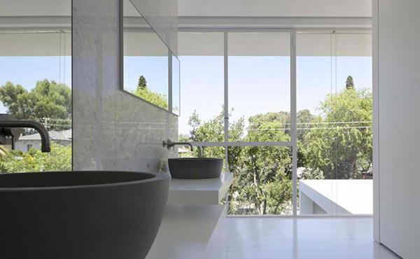 Ramat Hasharon House Bathroom