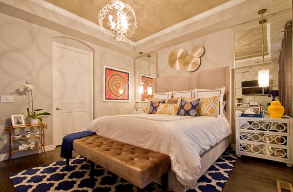 15 gorgeous blue and gold bedroom designs fit for royalty for Pictures of bed rooms