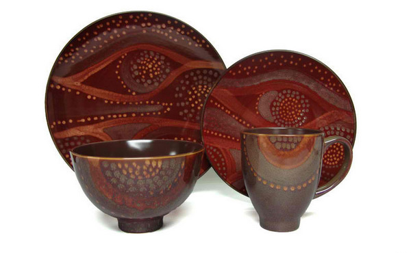 Red Vanilla Organic Brown 16-piece Dinner Set