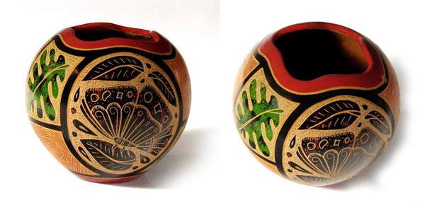 'Stylish Round Vases