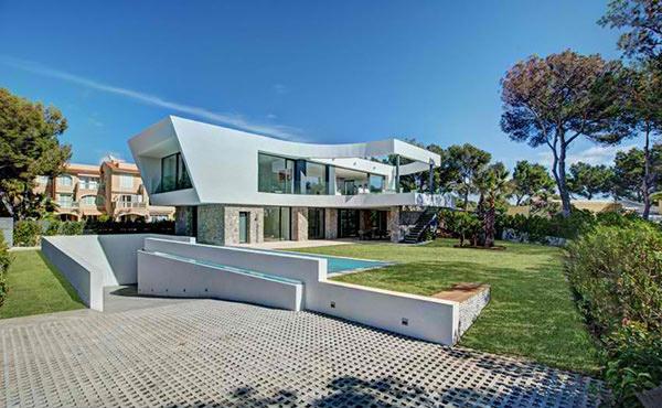 Tono Villa & Joan Miquel Segui Arquitectos
