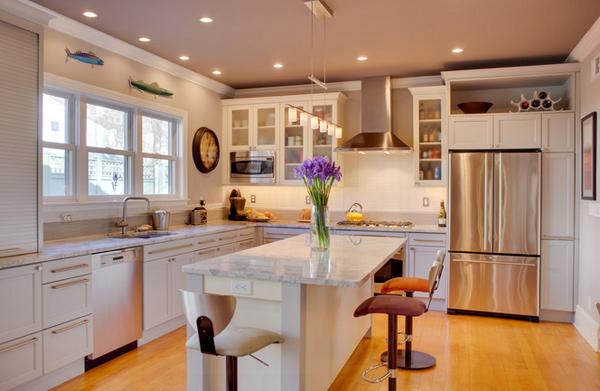 oversize kitchen island