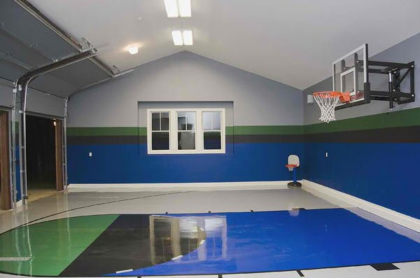 15 ideas for indoor home basketball courts home design lover for Basketball hoop inside garage