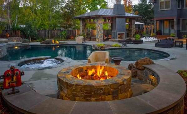 Fire Water Combo In 15 Traditional Pools With Fire Pits Home Design Lover