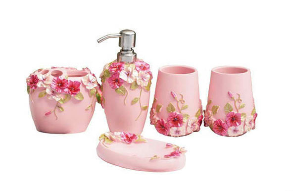 15 chic pink bathroom accessories set home design lover for Floral bath accessories