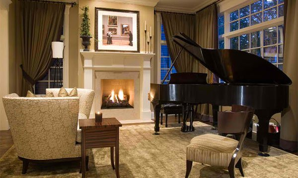 15 grand piano set ups in traditional living rooms home for Piano for small space