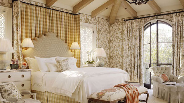 15 country cottage bedroom decorating ideas home design for Country cottage bedroom