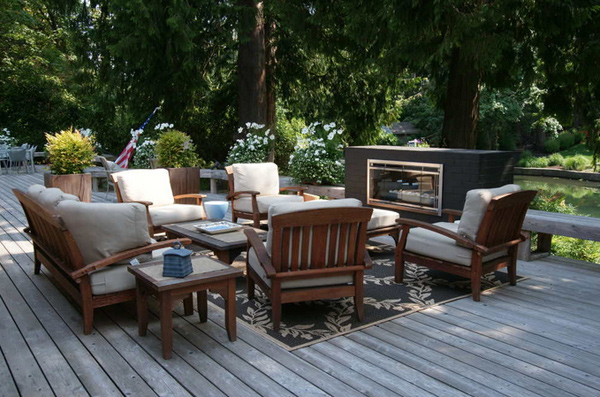 15 beautiful balcony furniture for the modern family for Outdoor furniture austin