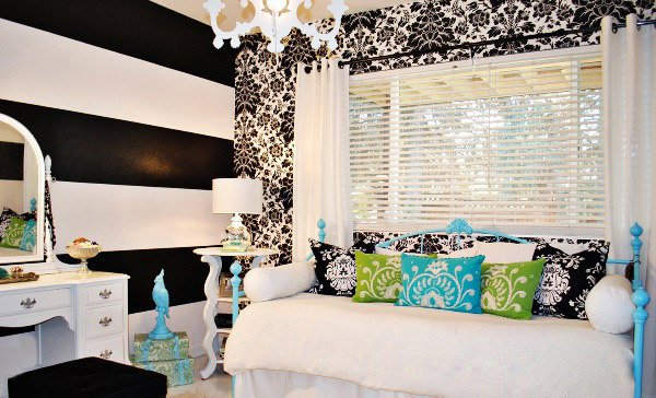 Pretty Combo Of Turquoise And Black In 15 Bedroom Interiors Home