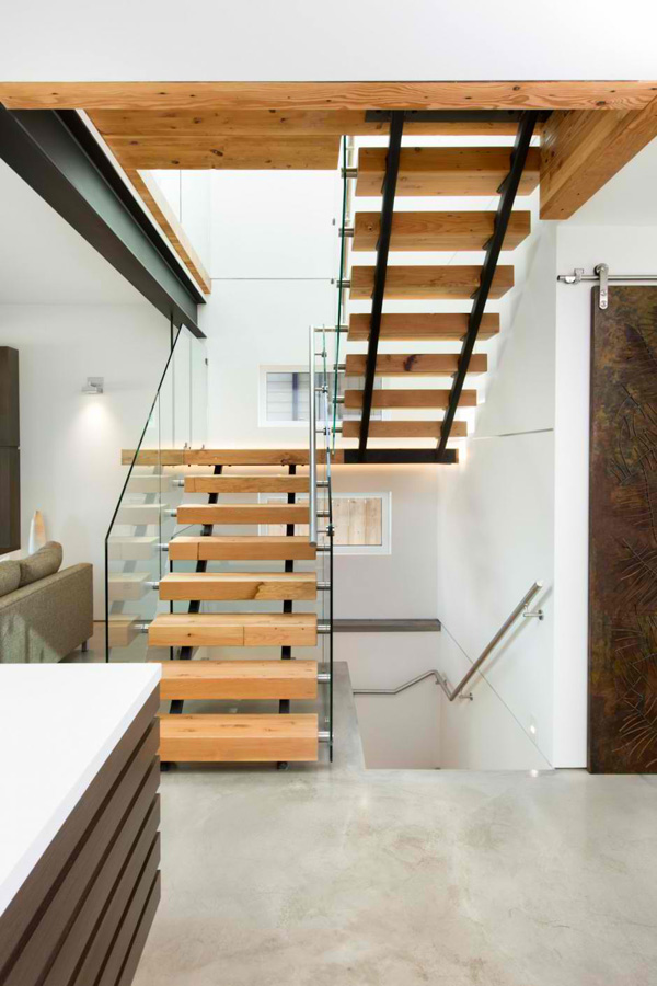 wood step stairs