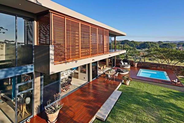 decking swimming pool
