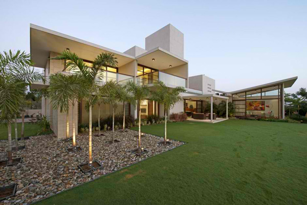 Urbane House