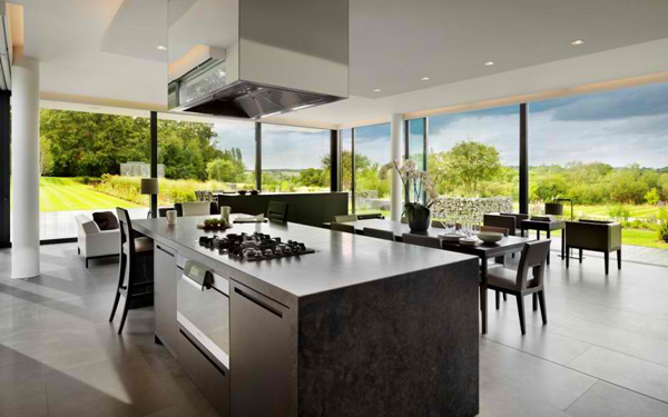 Modern Country House awe-inspiring views in the modern country house in berkshire