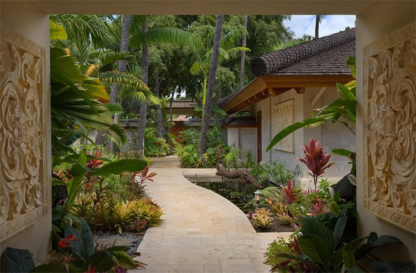 Tropical Landscape Designs that Brings Coolness to your ...