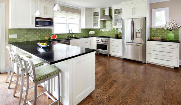 Choose simple backsplash