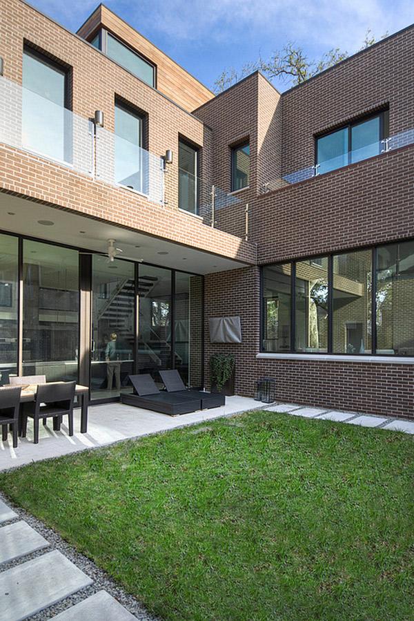 courtyard brick house