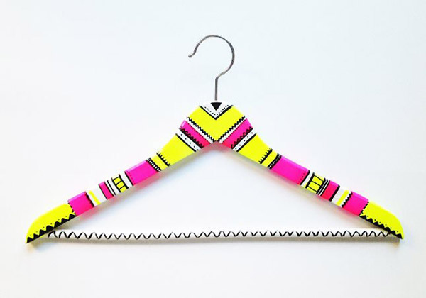 DIY Neon Hanger