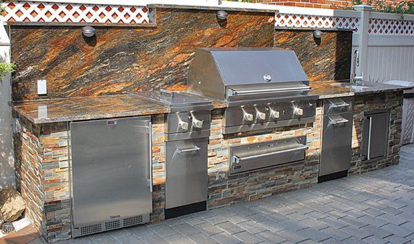 Viking outdoor kitchen