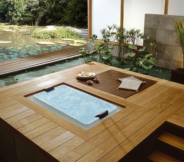 Pond bathtub