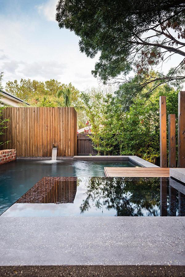 raised spa pool