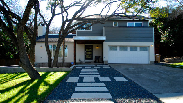 Before and after a house in austin gets a modern makeover for Modern austin homes