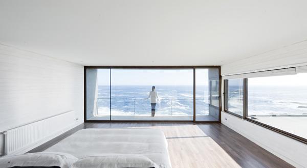 bedroom grazed walls
