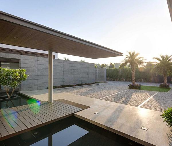 spacious garden design