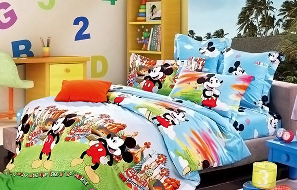 Blue And Green Mickey And Minnie Mouse King Size Bedding