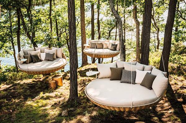 modern lounger