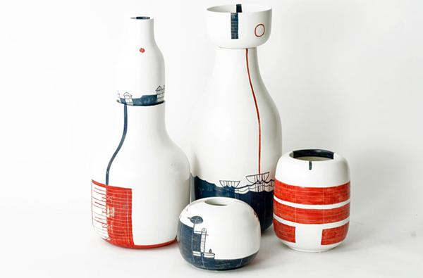 blue red vase designs