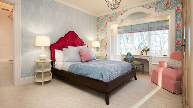 20 Captivating Bedrooms With Floral Wallpaper Designs | Home Design Lover