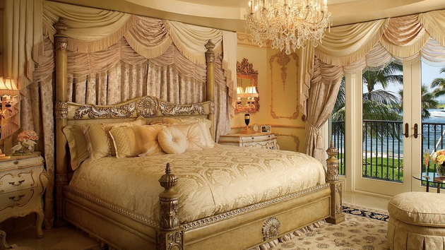 20 Glorious Old Mansion Bedrooms | Home Design Lover
