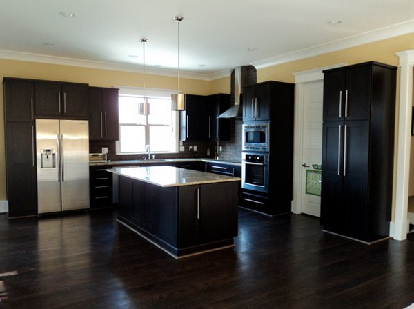 kitchen cabinets with dark floors 22 beautiful kitchen colors with cabinets home 21406