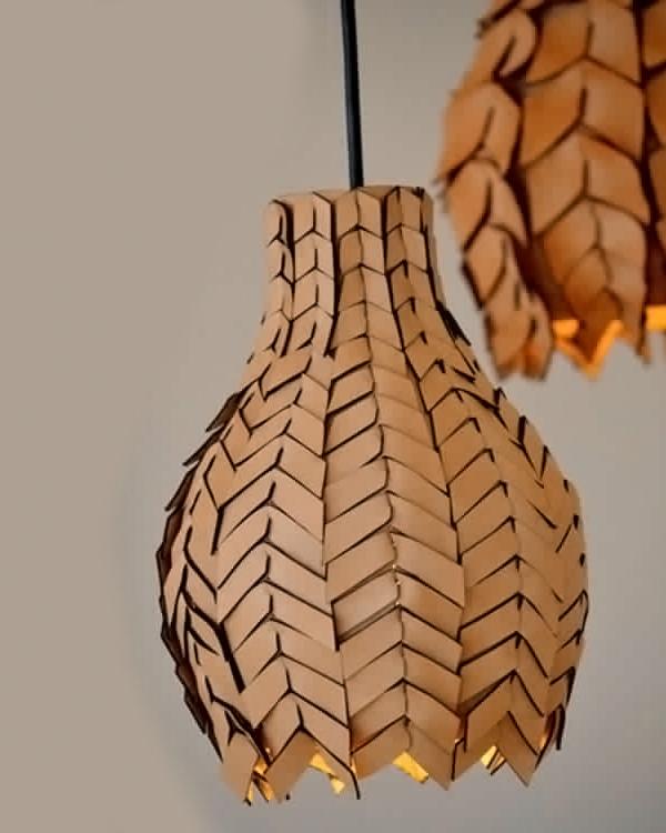 Pod Luxe pendant light