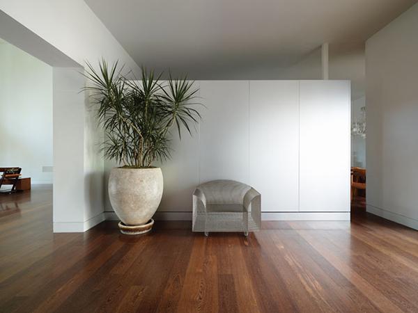 minimal sitting area