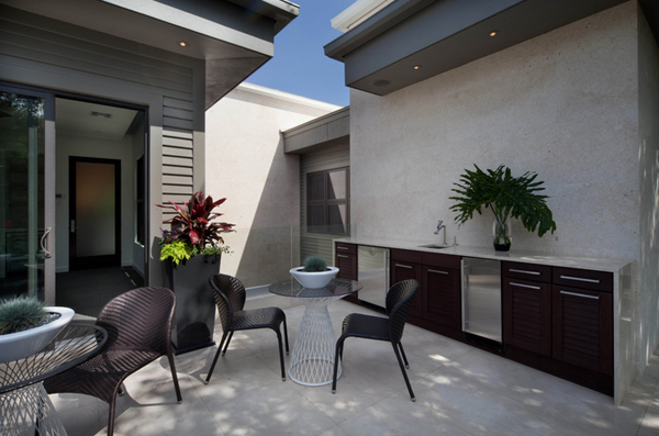 contemporary home features
