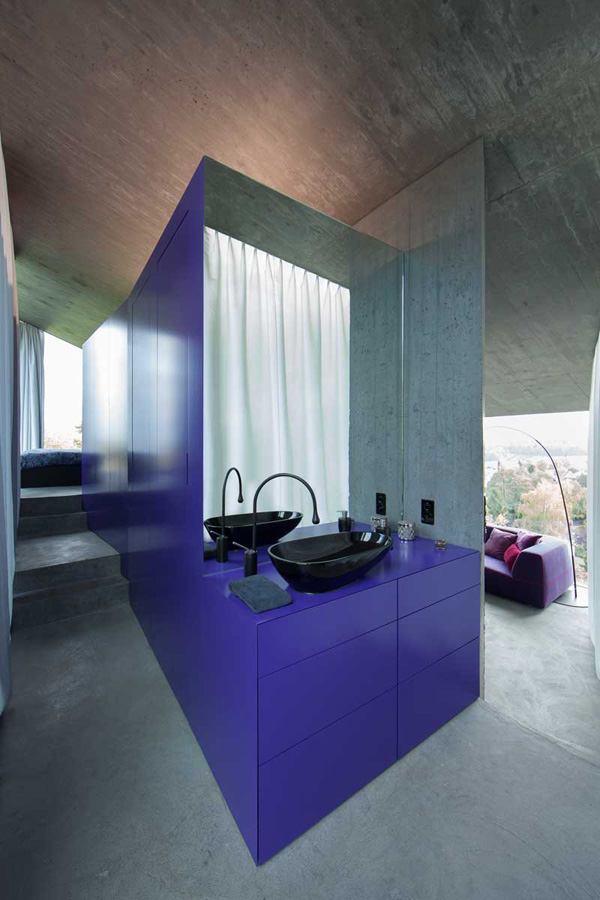 violet sink