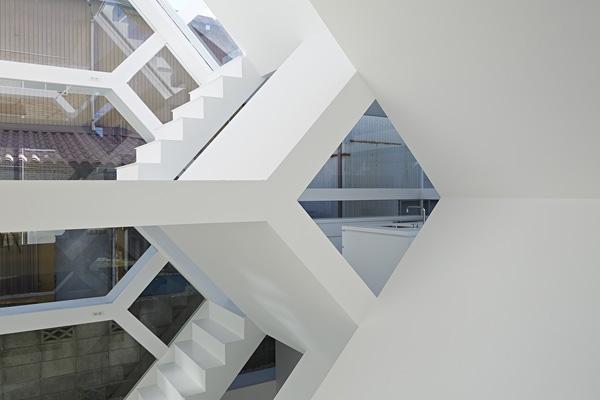white glass 3D