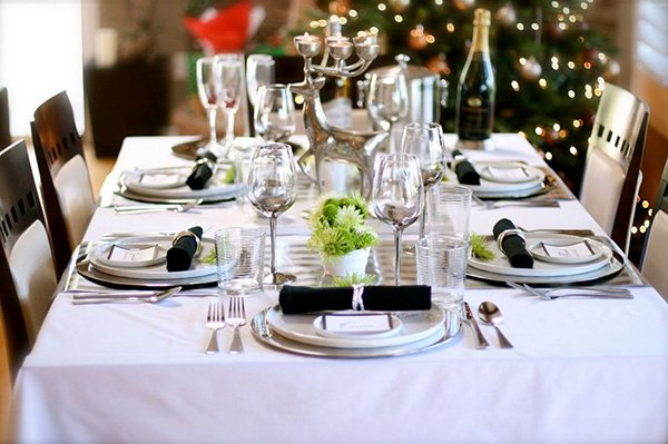 Michael Rocha Simple And Elegant Table Setting