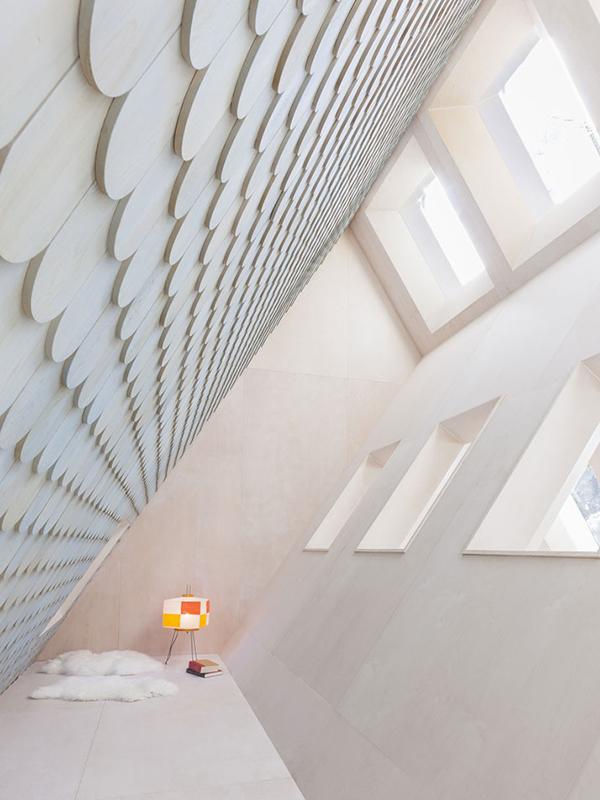 diagonal room