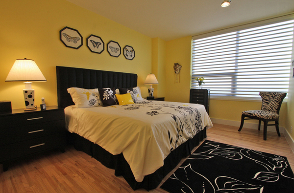 20 sophisticated black and yellow bedrooms home design lover for Black and yellow bedroom ideas