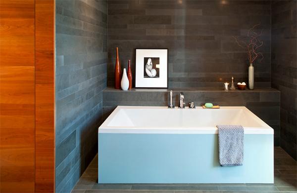 Whistler Residence Tiled Bath