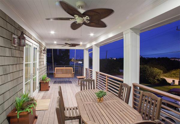 20 Relaxing Beach Themed Porch Designs