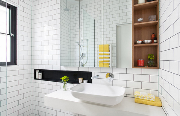 Balaclava House with Bathroom Tiled