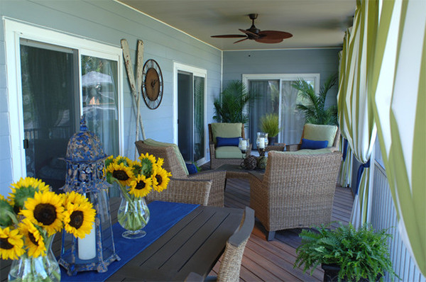 20 relaxing beach themed porch designs home design lover for Beach porch ideas