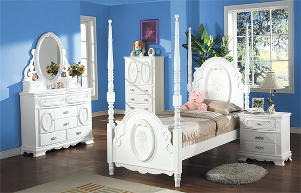 4 PC Post Bedroom Set